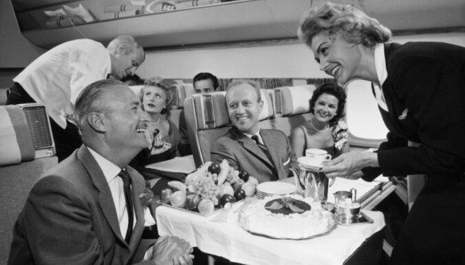 Vecākā stjuarte pasaulē: 80 gadus vecā Bete Neša netaisās iet pensijā