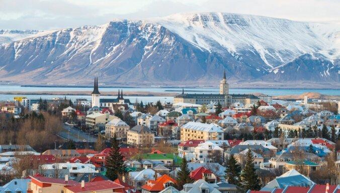 Исландия с четверга откроет границы для прошедших вакцинацию от Covid