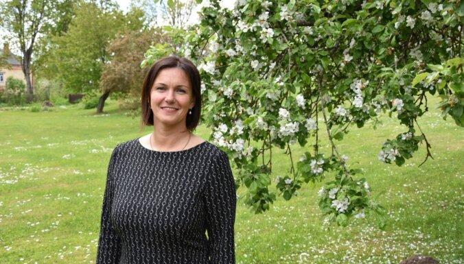 Elīna Stapulone: Viens no atgriešanās kritērijiem – ģimenēm draudzīga vide