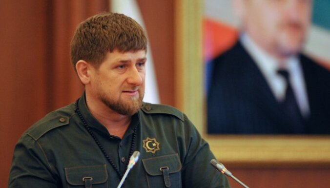 Kadirovs dod atļauju šaut pa Krievijas drošībniekiem Čečenijā; Maskava paziņojumu nosoda