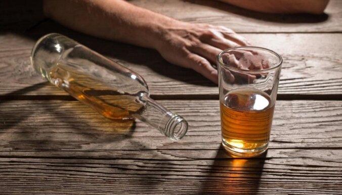 Kāpēc tu lieto alkoholu? Kāpēc to sauc par atkarību?