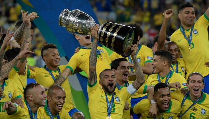 Turnīra saimniece Brazīlija izcīna 'Copa America' titulu