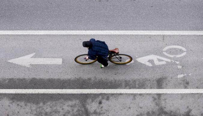 Čaka ielā Rīgā ierīkos pagaidu velojoslas