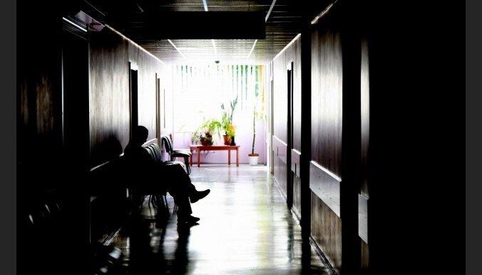 Deputāti: slimnīcām neadekvāti samazināts budžets