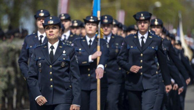 Vai militārais dienests ir piemērots sievietēm? Latvijas armija atbild: Jā