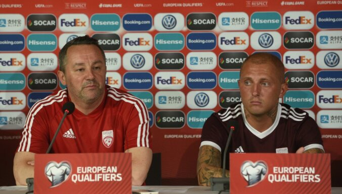 Latvijas futbola izlases treneris cikla noslēgumā neizsauc Rakelu un Karašausku