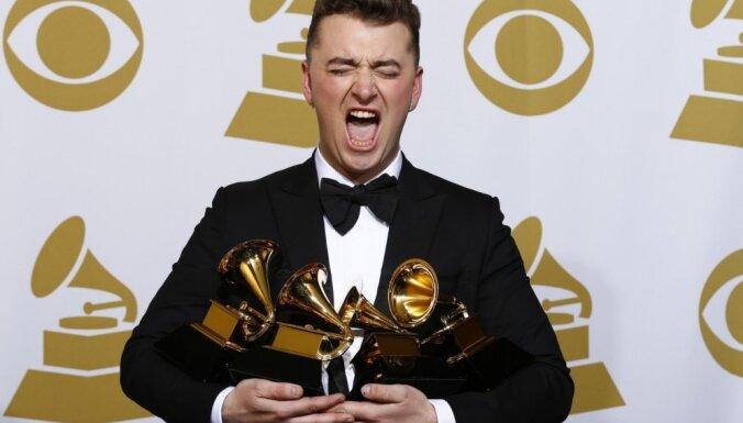 'Grammy' balvu ceremonijā triumfē Sems Smits