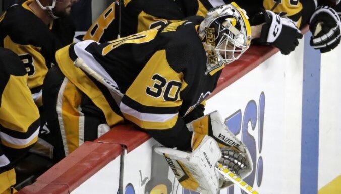 'Penguins' bezierunu zaudējums sērijā pret 'Islanders', Bļugeram iespēja pievienoties izlasei