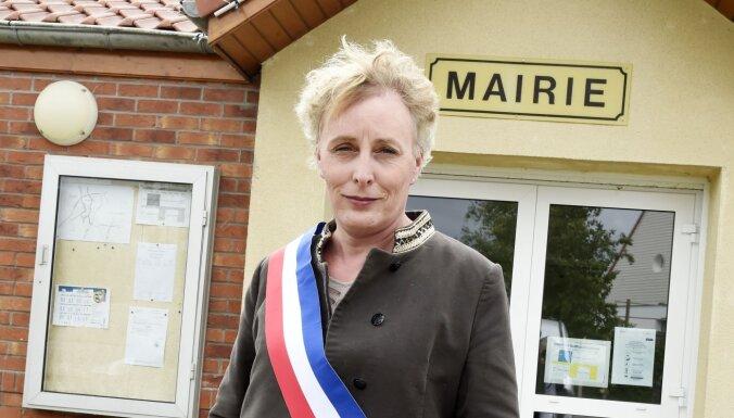 Женщина-трасгендер впервые стала мэром города во Франции