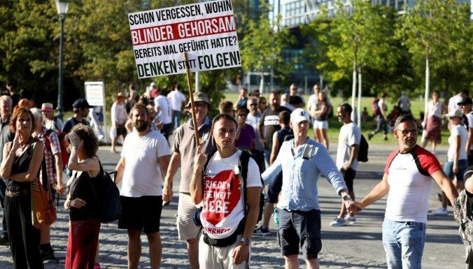 Berlīne aizliedz protestus pret Covid-19 krīzes ierobežojumiem