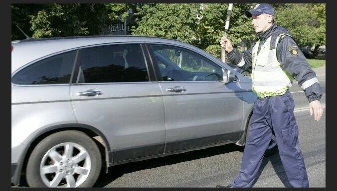 Policija: vadītāji jāsoda arī par niecīgu maksimālā ātruma pārsniegšanu