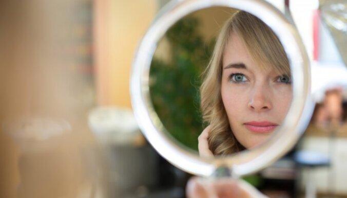10 veselīgi produkti, kas palīdz izskatīties jaunākai un skaistākai