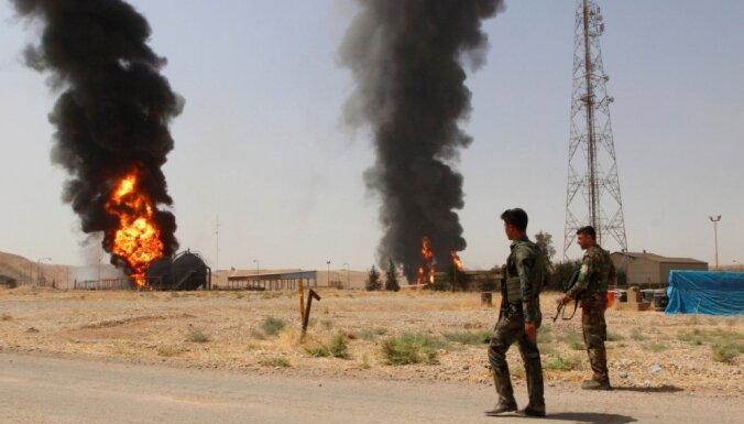 'Daesh' uzbrūk naftas laukam Irākā; sagūstītie strādnieki atbrīvoti