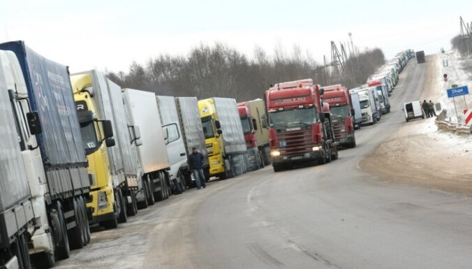 Очереди грузовиков образовались на латвийско-белорусской границе
