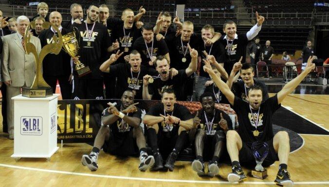 'VEF Rīga' komanda otro gadu pēc kārtas triumfē LBL čempionātā