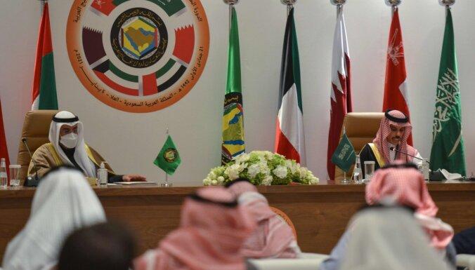 Persijas līča valstis vienojas atjaunot diplomātiskos sakarus ar Kataru
