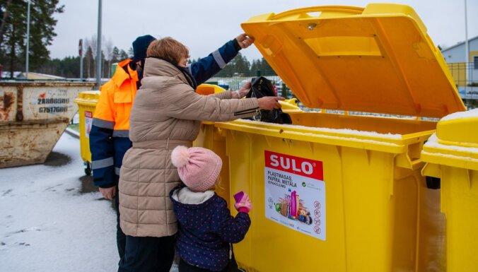 Foto: Salaspilī atklāts novadā pirmais atkritumu šķirošanas laukums