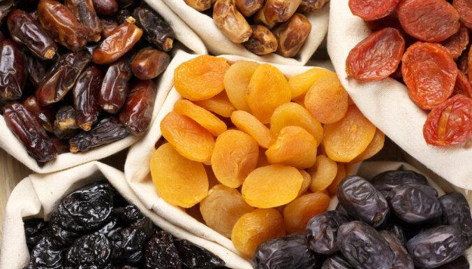 Virtuves pamati: Gadu tūkstošiem pazīstama sastāvdaļa – žāvēti augļi