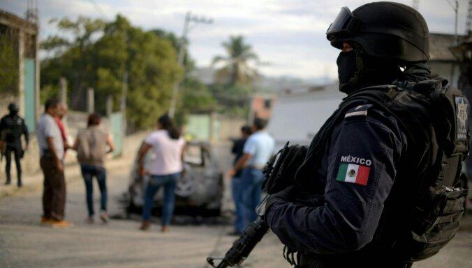 Pandēmija apgrūtina Meksikas cīņu pret narkokarteļiem