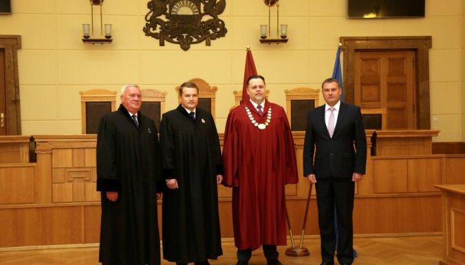 Foto: Juris Stukāns dod ģenerālprokurora zvērestu