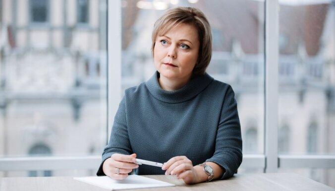 Tiesu sistēmai jābūt brīvai no politiska spiediena, pauž Osinovska advokāte