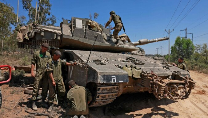 No Gazas turpina lidot raķetes; Izraēla pastiprina triecienus