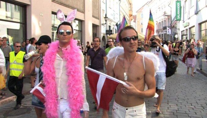 Diskutēs par filmu 'homo@lv' un mākslas un valsts attiecībām