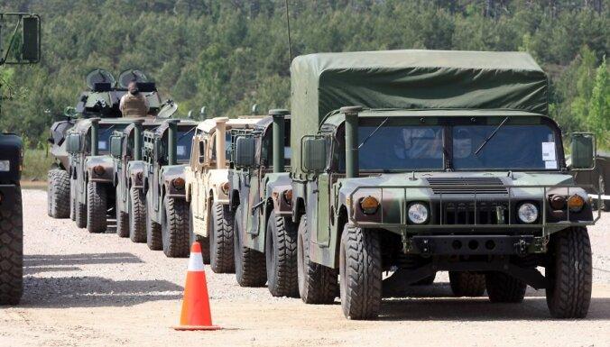 США поделятся с Латвией броневиками