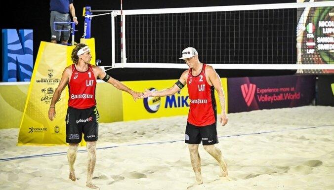 Samoilovs/Šmēdiņš četru zvaigžņu turnīrā Kankunā iekļūst ceturtdaļfinālā