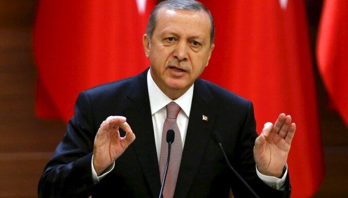Западные СМИ: извинения Эрдогана — страх перед изоляцией и политический расчет
