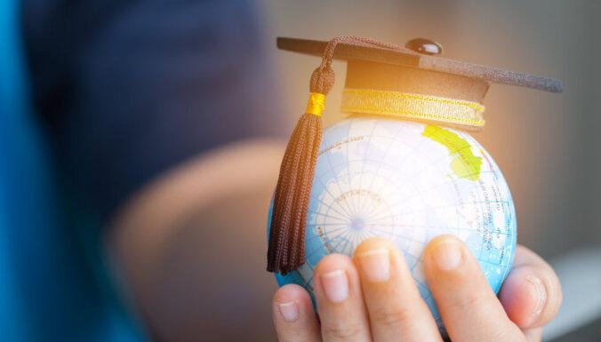 Доходы выпускников вузов и колледжей до 8% выше, чем в среднем по стране