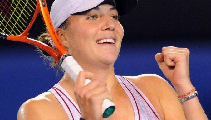 Победившая рак российская теннисистка выиграла первый матч