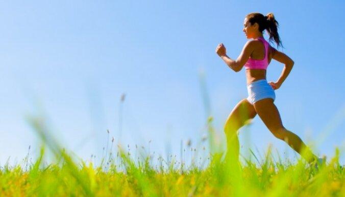 6 ieteikumi pārdomātai ūdens uzņemšanai skriešanas laikā