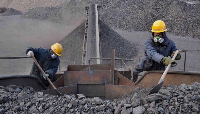 Krievija pārtrauc ogļu piegādi uz Ukrainu