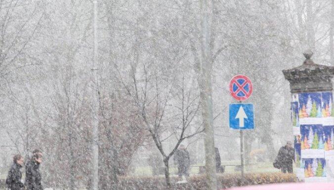 В четверг — вновь снег, к выходным — уже метель