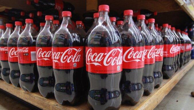 Coca-Cola прекратит продажу напитков с сахаром в школах Латвии