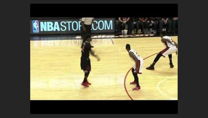 Video: NBA spēlētājs sasniedz iespaidīgu 'triple-double', bloķējot 12 metienus
