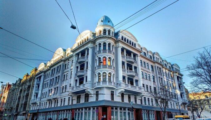 Izsolē izliek slaveno Tetera namu Rīgā