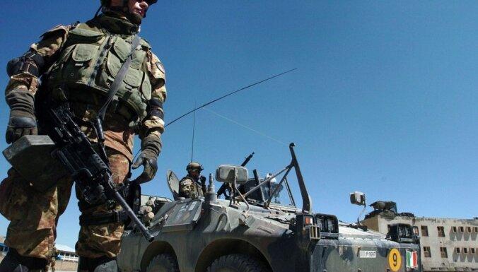 Itālija uz Irāku Mosulas aizsprosta aizsardzībai nosūtīs 450 karavīrus