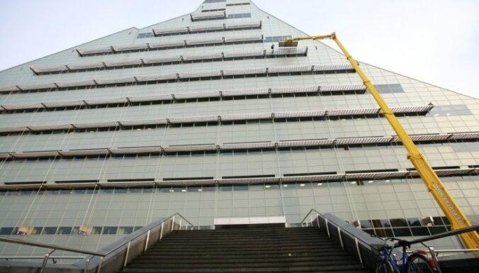 В Замке света обнаружено 78 дефектов и недоделок; строители не реагируют