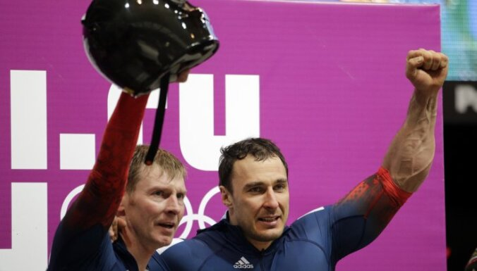 Alexander Zubkov and brakeman Alexey Voevoda