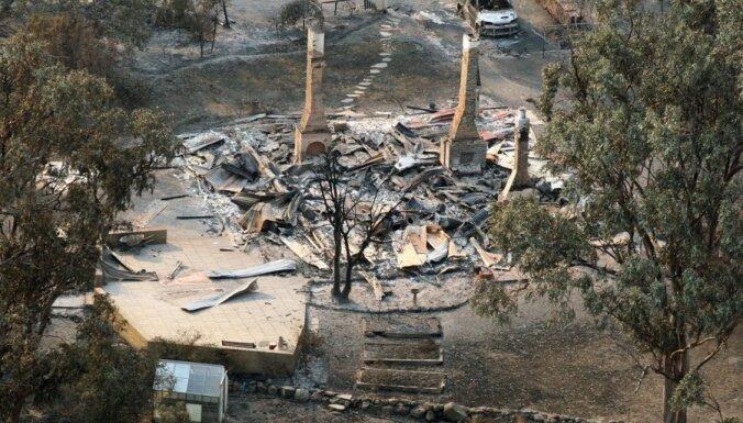 Krūmāju ugunsgrēkos Tasmānijā nodegušas ēkas un apdraudēti iedzīvotāji