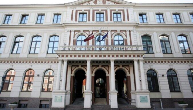 RD opozīcija sūdzas Gerhardam par 'pazudušo jautājumu' un 'norauto' ārkārtas sēdi