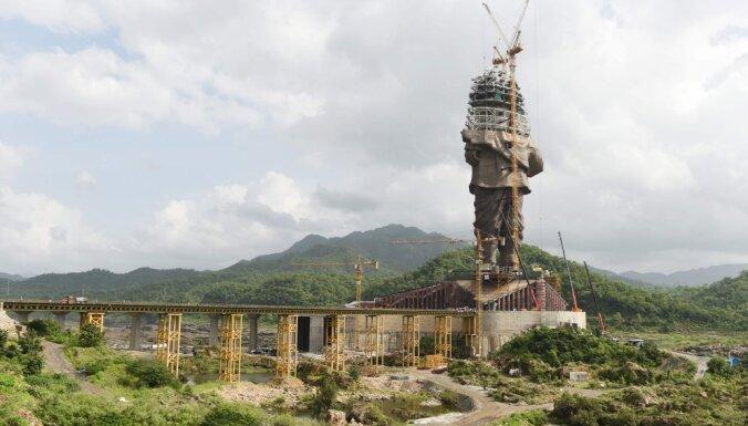 В Индии возводят высочайшую статую в мире— 240 метров с постаментом