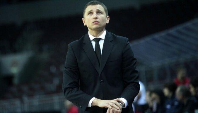 Латвийский тренер в третий раз возглавил российский клуб