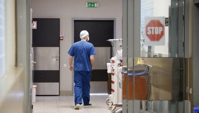 Svētdien stacionēti 47 Covid-19 pacienti