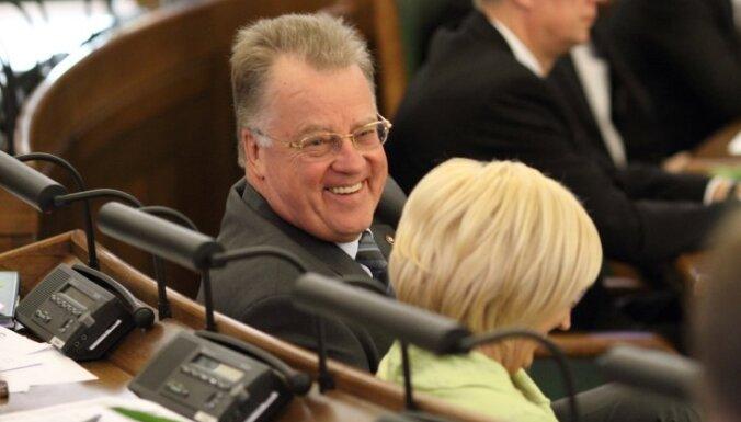 Eksprezidents Ulmanis nepiedalīsies referendumā par Saeimas atlaišanu