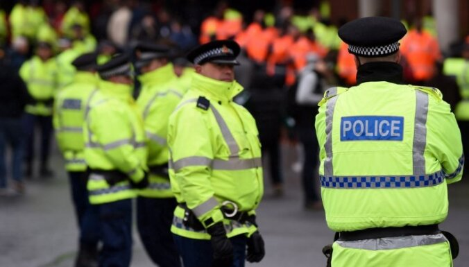 ФОТО: Протест против ограничения протестов в Бристоле закончился столкновениями