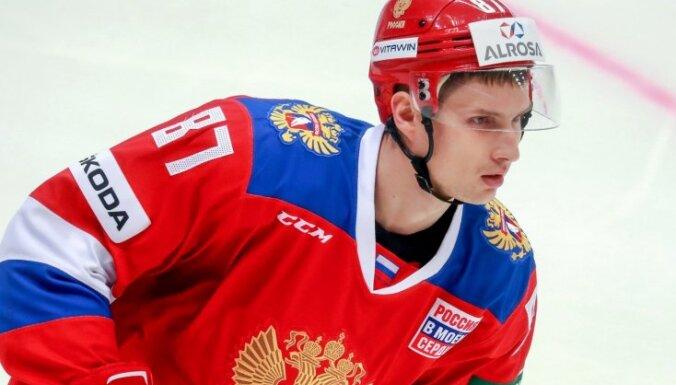 Sanktpēterburgas SKA uz fārmklubu nosūta olimpisko čempionu Vadimu Šipačovu
