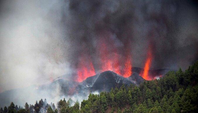На Канарах началась эвакуация из-за извержения вулкана